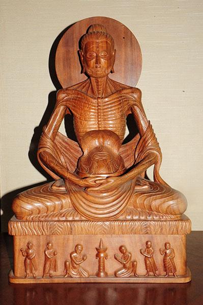 苦行釈迦像 スリランカ ソーマパーラ作